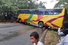 Jalan Licin karena Tumpahan Minyak, Bus Tergelincir di Kutai Kartanegara