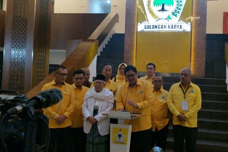 Bakal cawapres pendamping Jokowi, Maruf Amin di Kantor DPP Partai Golkar, Jumat (10/8/2018)