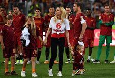 Berita Populer Bola, Tangis Totti hingga Kabar Final Liga Champions