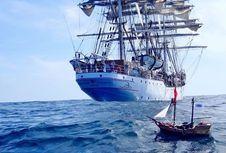 Sebuah Kapal Mainan Sudah Berlayar Setahun dan Mampir di Tiga Benua