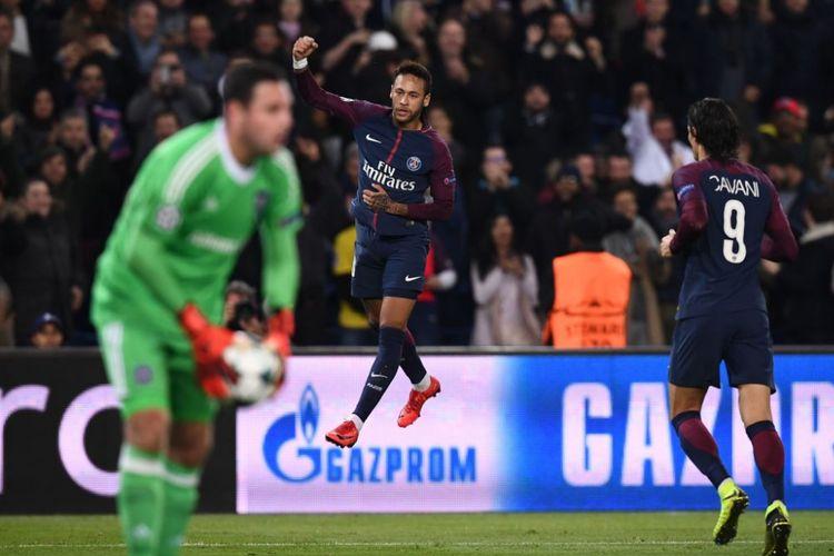 Neymar merayakan gol PSG ke gawang Anderlecht pada pertandingan Liga Champions di Parc des Princes, Selasa (31/10/2017).