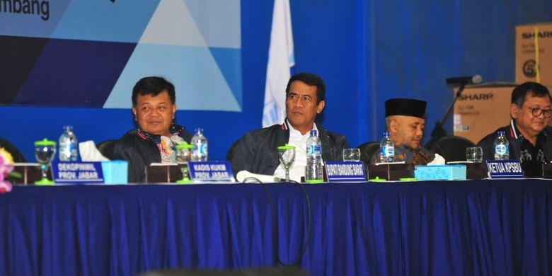 Menteri Pertanian Amran Sulaiman hadir dalam Acara Rapat Anggota Tahunan (RAT) Koperasi Peternak Susu Bandung Utara (KPSBU) Lembang, Bandung Barat pada Kamis (21/03/19)