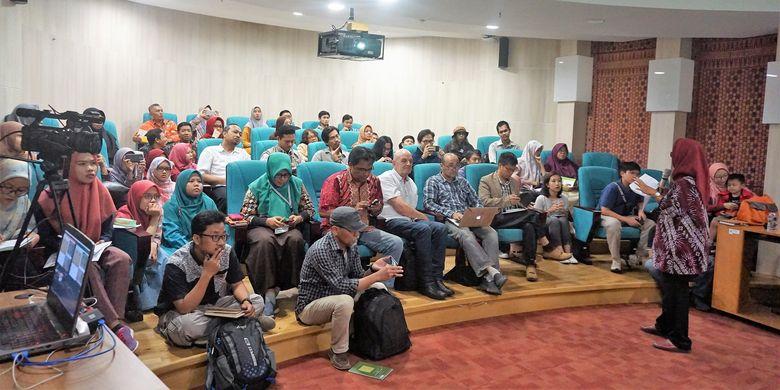 Suasana acara Diskusi Naskah Nusantara dengan tema Iluminasi dalam Naskah-naskah Nusantara? di Ruang Teater Mini Gedung Fasilitas Layanan Perpustakaan Nasional, Jakarta, Kamis (4/7/2019).