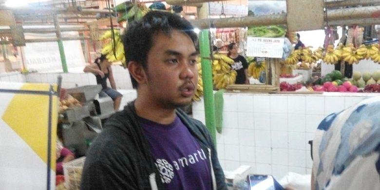 CEO dan pendiri fintech Amartha, Andi Taufan Garuda Putra, di Pasar Santa, Jakarta Selatan, Selasa (7/3/2016).