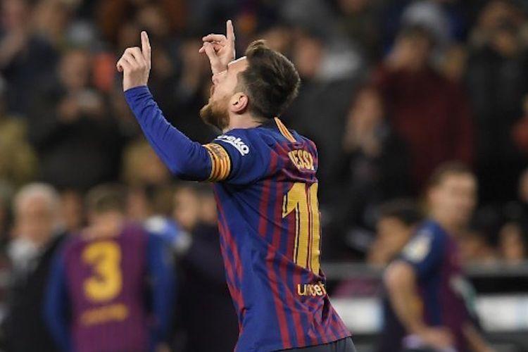Lionel Messi merayakan golnya pada pertandingan Barcelona vs Valencia di Stadion Camp Nou dalam lanjutan La Liga Spanyol, 2 Februari 2019.