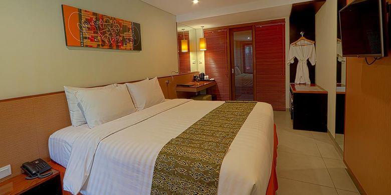 Kamar hotel di Dafam Savvoya Seminyak, Bali.