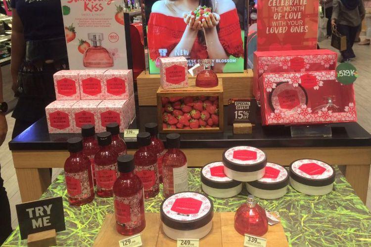 Rangkaian produk terbaru dari Body Shop, Japanese Cherry Blossom Strawberry Kiss.