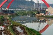 Dua 'Cross Girder' Jembatan Kalikuto Tol Batang-Semarang Jatuh ke Sungai
