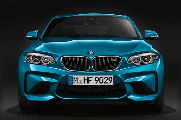 Model BMW M2 Competition 2018.