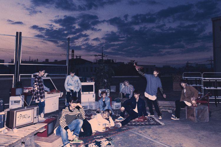 Stray Kids merupakan boyband bentukan agensi JYP Entertainment.