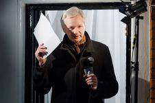 Internet Diputus, Julian Assange Tak Lagi Pimpin Wikileaks