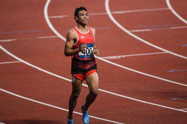 Pelari Indonesia Lalu Muhammad Zohri (no.400) beradu kecepatan dengan pelari lainnya saat babak semifinal lari 100 meter putra Asian Games 2018 di Stadion Utama Gelora Bung Karno Senayan, Jakarta, Minggu (26/8/2018).