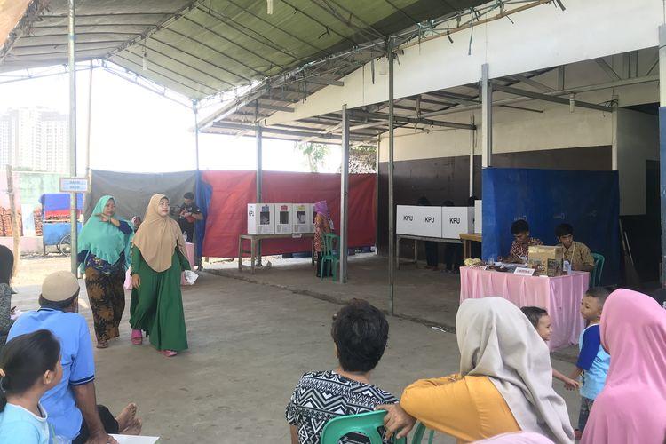 Suasana Tempat Pemungutan Suara (TPS) 40 di Kampung Akuarium, Penjaringan, Jakarta Utara, Rabu (17/4/2019).