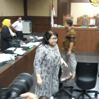 Elza Syarief di Pengadilan Tindak Pidana Korupsi Jakarta, Senin (26/2/2018).