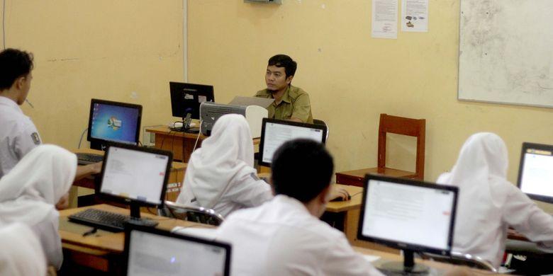 Sebanyak 200.000 siswa SMA/MA/SMLB di Provinsi Jawa Barat menghadapi Ujian Sekolah Berstandar Nasional (USBN), Senin (18/3/2019).