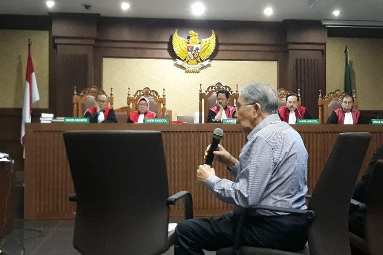 Mantan Kepala Badan Perencanaan Pembangunan Nasional (Bappenas), Kwik Kian Gie saat bersaksi di Pengadilan Tipikor Jakarta, Kamis (5/7/2018).