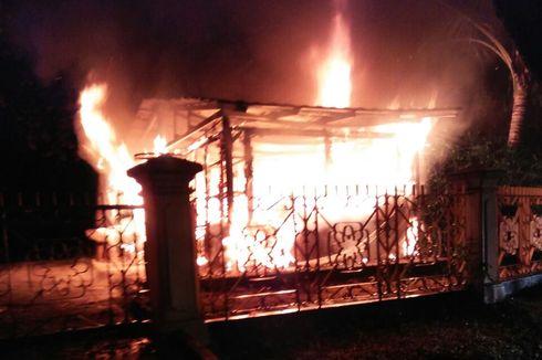 Diduga Lupa Matikan Teko Pemanas Air, Kios Suvernir di TMII Terbakar