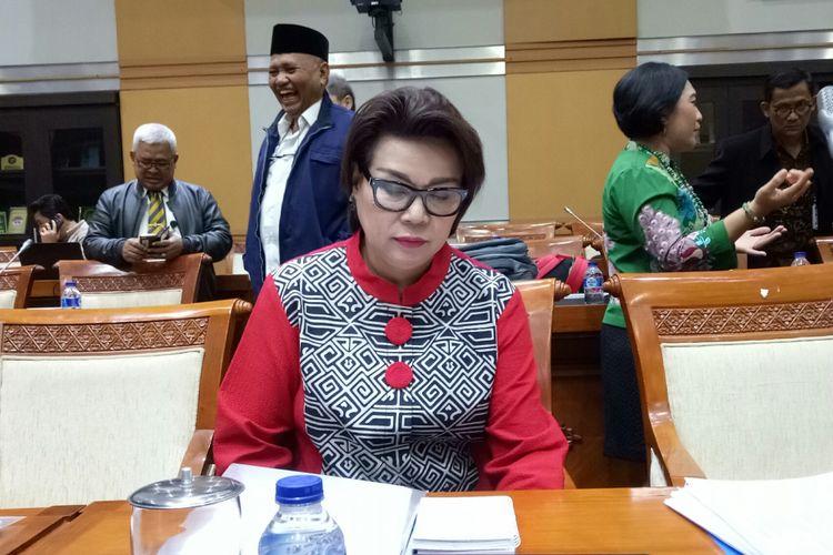 Wakil Ketua KPK Basaria Panjaitan di Kompleks Parlemen, Senayan, Jakarta, Selasa (12/9/2017)