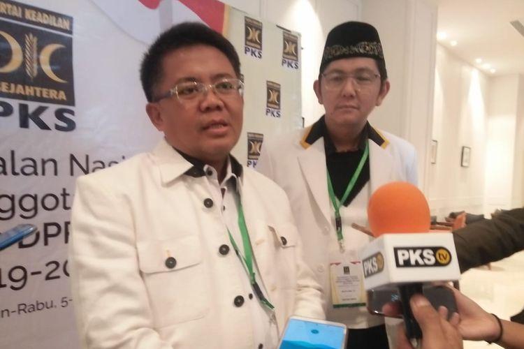 Presiden Partai Keadilan Sejahtera (PKS) Sohibul Iman usai Pembekalan Nasional Calon Anggota DPR dan DPRD Provinsi Terpilih periode 2019-2014, di Hotel Mercure Jakarta Batavia, Jakarta Barat, Senin (5/8/2019).