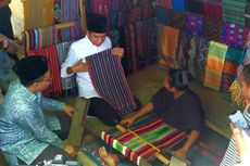 Kunjungi Desa Adat Sade, Jokowi Borong Kain Tenun Lombok