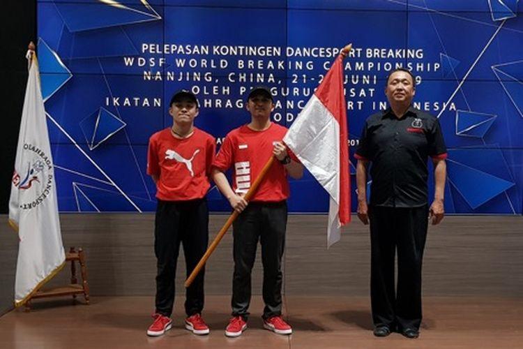 Pelepasan Kontingen Dance Sport Breaking Indonesia yang akan bertanding pada Kejuaraan Dunia WDSF World Breaking Championship China, di Menara Batavia, Jakarta, Senin (20/06/2019).?