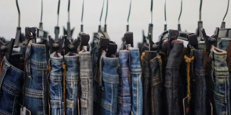Ilustrasi berbagai model jeans.