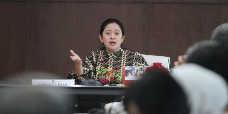 Menteri Koordinator Bidang Pembangunan Manusia dan Kebudayaan (Menko PMK) Puan Maharani, memimpin Rapat Koordinasi Tingkat Menteri (RTM) terkait Kesiapan Perluasan Penyaluran Bantuan pangan Non-Tunai (BPNT) Tahap IV November 2018, di Jakarta, Kamis (8/11/2018).