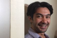 Reza Rahadian Tertantang Perankan Karakter Tunanetra