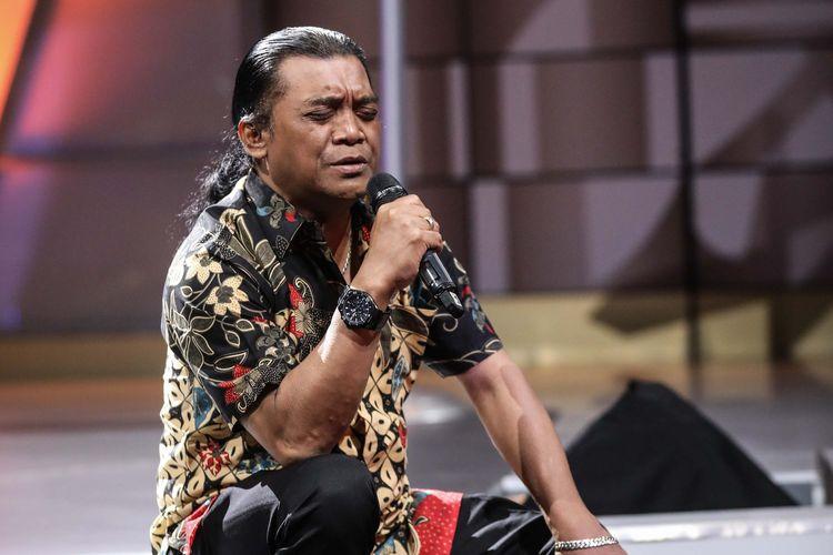 Penyanyi campursari, Didi Kempot saat cek sound sebelum acara program Rosi di Kompas TV di Menara Kompas, Jakarta, Kamis (1/8/2019).