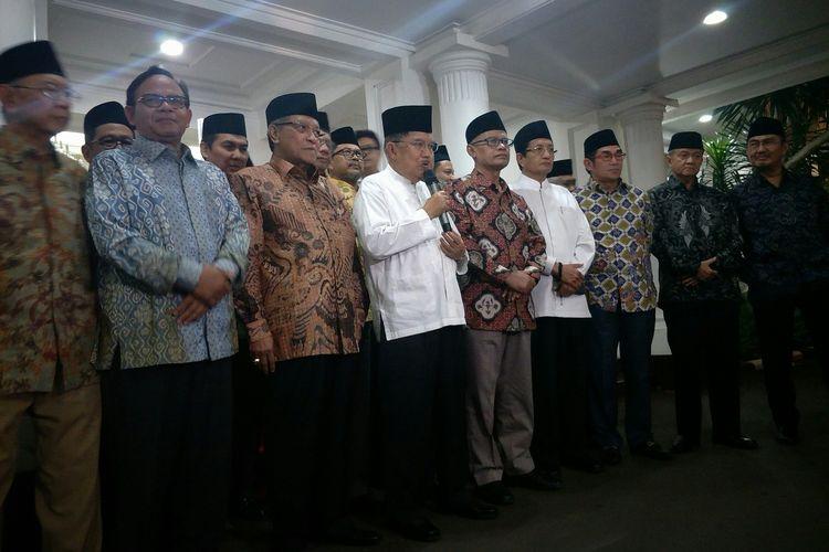 Wapres Jusuf Kalla silaturahim dengan tokoh-tokoh Islam