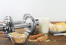 Cara Praktis Penuhi Kebutuhan Protein Saat Bentuk Otot