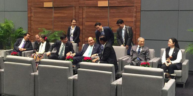 KTT ASEAN ke-33 Kokohkan Sentralisasi ASEAN dengan Forum Internasional