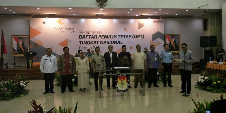 Rapat Pleno Rekapitulasi DPT Pemilu 2019 di KPU, Rabu (5/9/2018)