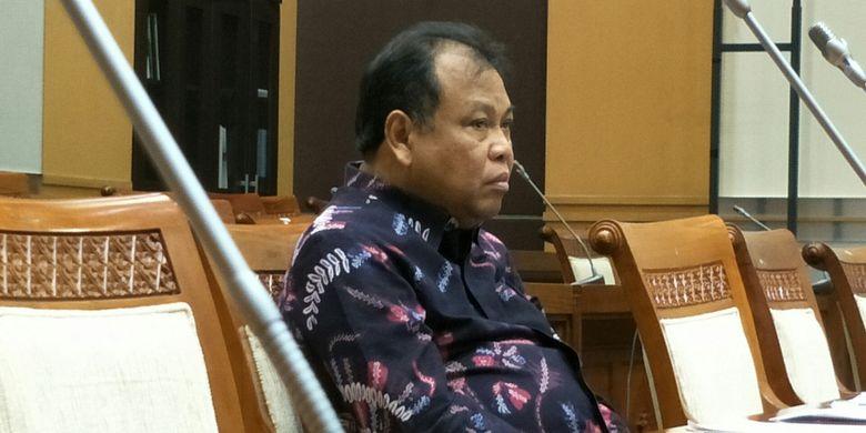 Ketua MK Arief Hidayat di Kompleks Parlemen, Senayan, Jakarta, Rabu (6/12/2017)