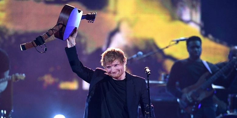 Ed Sheeran tampil di panggung iHeartRadio Music Awards 2017 di The Forum, Inglewood, California, AS, pada 5 Maret 2017.