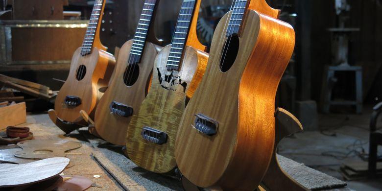 Aneka desain Pelem Ukulele yang sesuai namanya memanfaatkan bahan baku kayu mangga. Desainnya berdasarkan pesanan konsumen.