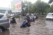 Banjir di Sunter, Motor Mogok, Ambulans Kecamatan Kemayoran Diderek