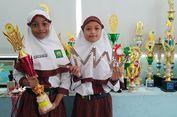 Dua Siswi SD Ini 'Sulap' Triplek untuk Permudah Pemahaman Rumus Matematika