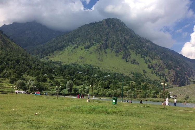 Pemandangan alam di Kashmir