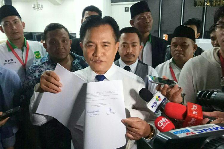 Ketua Umum Partai Bulan Bintang (PBB), Yusril Ihza Mahendra, saat ditemui di Mahkamah Konstitusi, Jakarta, Selasa (5/9/2017).