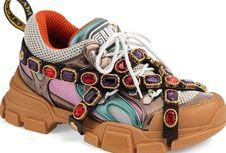 'Dad Sneakers' Bertali Kristal dari Gucci Dibanderol Rp 23 Juta