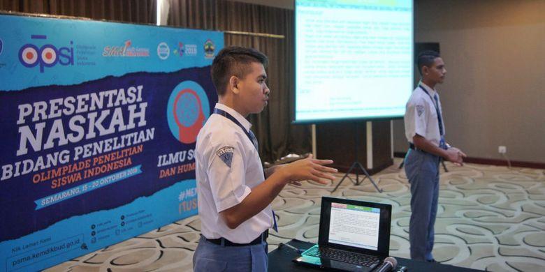 Olimpiade Penelitian Siswa Indonesia (OPSI) tahun ini mengangkat tema ?Meneliti Itu Seru? dan dan berlangsung tanggal 15-20 Oktober 2018 di kota Semarang, Jawa Tengah.