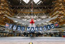 Rayakan 'Royal Wedding', Ada Penerbangan Khusus 'Harry-Meghan'