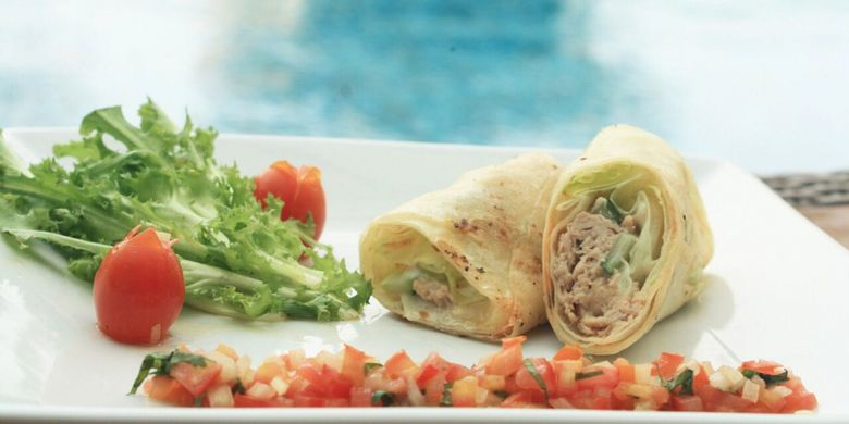 Tuna Wrapped with Tomato Salsa.