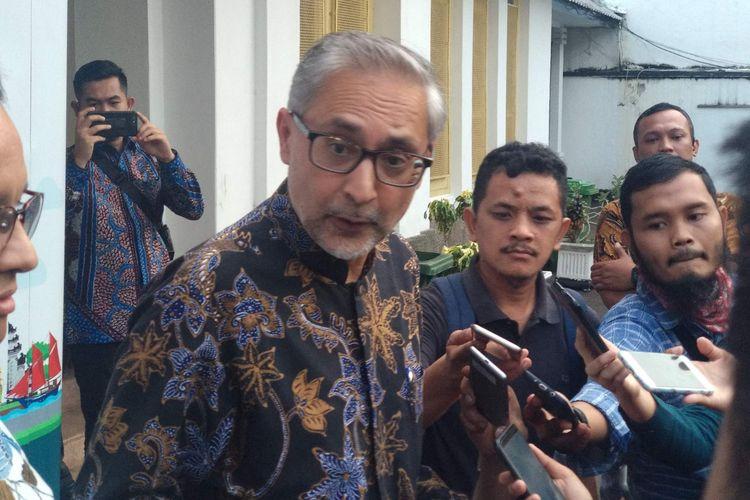 Duta Besar Inggris untuk Indonesia Moazzam Malik di Museum Perumusan Naskah Proklamasi di Menteng, Jakarta Pusat, Minggu (12/5/2019).