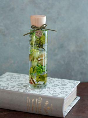 """""""Herbarium, Botanical Life"""" yang terkesan natural"""