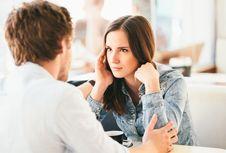3 Tanda Terlalu Bergantung pada Pasangan, Kamu Salah Satunya?