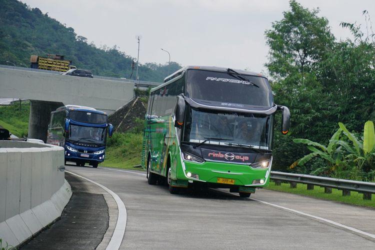 Hino ajak pengusaha transport menjajal bus dengan transmisi dan ban baru