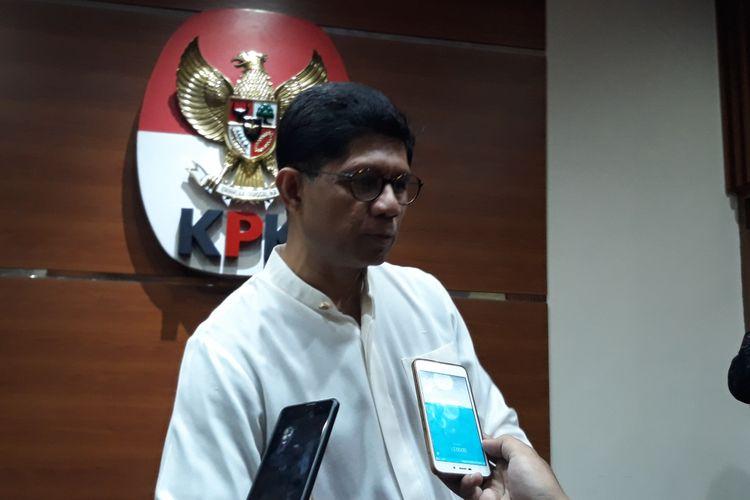 Wakil Ketua KPK Laode M Syarif  dalam jumpa pers di Gedung KPK Jakarta, Jumat (16/3/2018).
