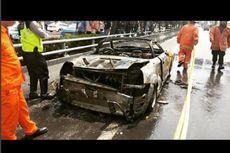 Sebelum Toyota MR2 Spyder Terbakar, Pengemudinya Lihat Percikan Api di Mesin Belakang